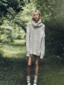 Anja-Rubik-By-Lachlan-Bailey-For-Vogue-Paris-October-2014-5
