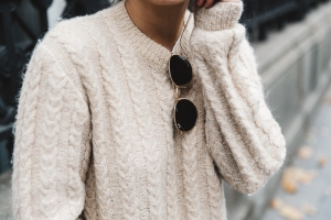Patchwork_Coat-Faux_Fur_Coat-Asos-Mother_Jeans-Denim-Cable_Knit_Sweater-Snake_Effect_Booties-Topknot-Collage_Vintage-Street_Style-Outfit-53